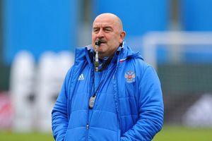 Станислав Черчесов внес изменения в заявку сборной России на ближайшие товарищеские матчи