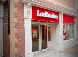 Ladbrokes представила финансового директора и председателя правления компании