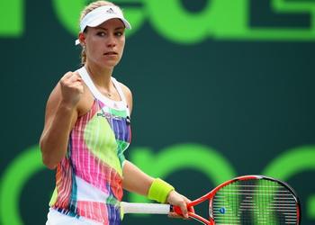 Кербер в сингапурском WTA Finals сыграет с дебютантками