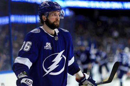 Никита Кучеров набрал 4 очка за матч и возглавил гонку бомбардиров НХЛ